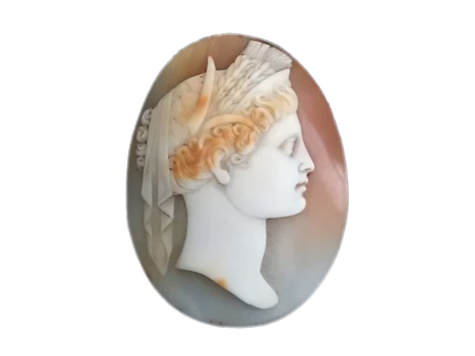 Shell cameo Diana (front)