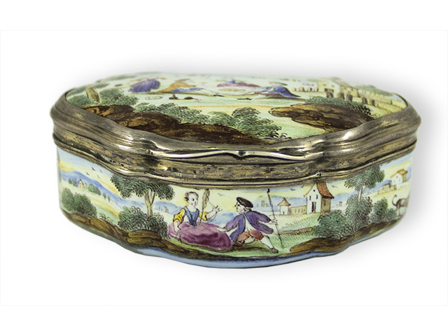 Enamelled snuffbox with silver mounts in original chagrin case