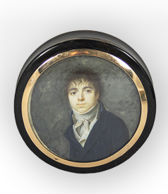 French snuffbox with gold lining and portrait miniature of a gentleman in a chagrin etui