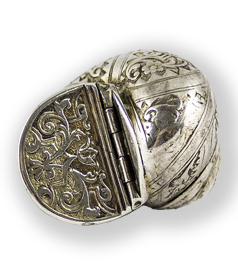 Silver-engraved-sea-shell-shaped-snuffbox-Germany-1700-preview