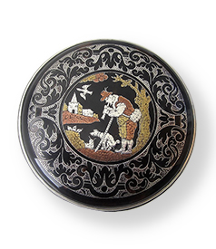 Round-tortoiseshell-piquéwork-snuffbox-with-silver-mounts-England-ca-1680-1690-car