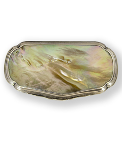 Dutch silver and mother of pearl tobacco box. : JG monogram: Jacob Girardin (1725-1806) A'dam 1788 (D) preview
