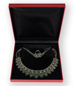 antique-necklace-with-emeralds-and-diamonds-preview