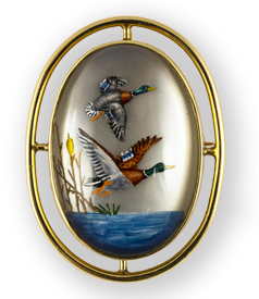 Antique-gold-mounted-Essex-crystal-brooch-with-flying-Ducks-preview